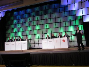 The Manufacturers' Panel was moderated by Harkness and made up by (l to r) Jeff Newnham (Phonak); Peer Lauritsen (Oticon); Jason Mayer (Unitron); Ron Gleitman (Siemens); Jeff Geigel (Widex); Jerry Ruzicka (Starkey); and Ruch (Amplifon).