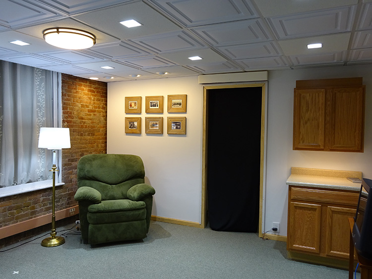 The newly constructed 24-hour lighting scheme demonstration room at the Lighting Research Center (LRC) at Rensselaer Polytechnic Institute provides cycled ... & Light Therapy for Better Sleep - Sleep Review azcodes.com